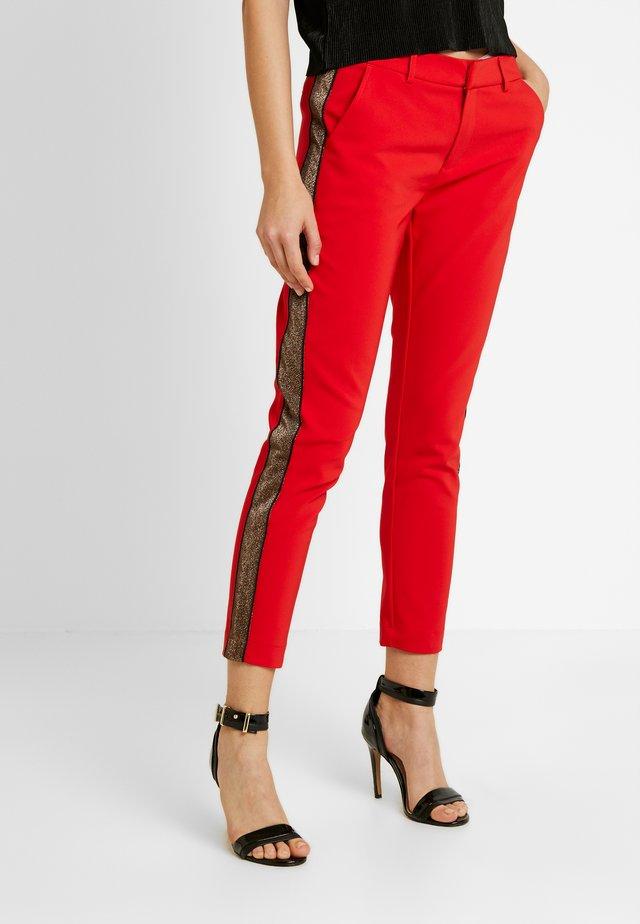 Spodnie materiałowe - mars red