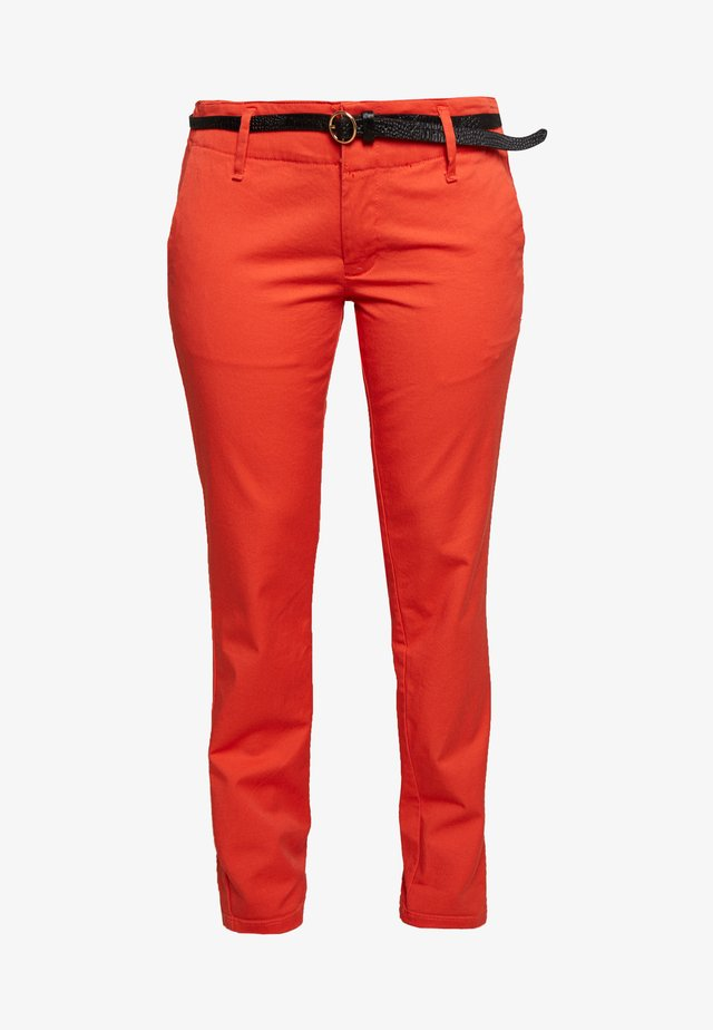 WITH BELT - Chino - rose red