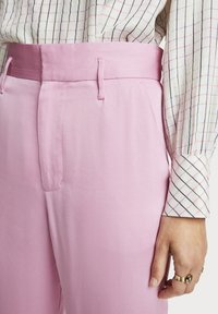 Scotch & Soda - Trousers - pink violet - 5