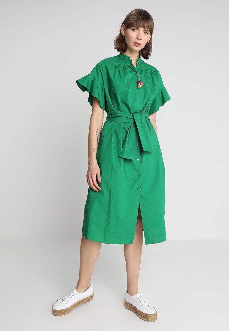 Scotch & Soda - MIDI LENGTH DRESS WITH SHELL FABRIC BELT - Sukienka koszulowa - palm green
