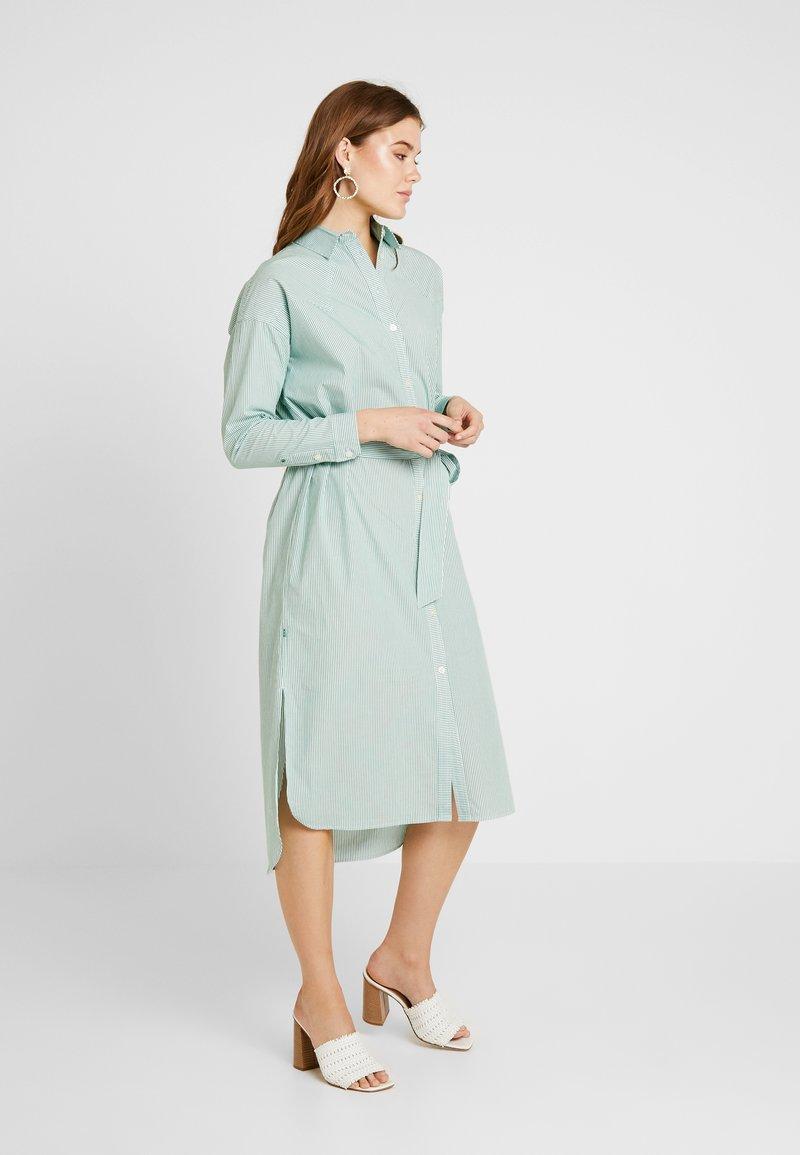 Scotch & Soda - CLEAN DRESS WITH PRESS BUTTONS - Košilové šaty - light green