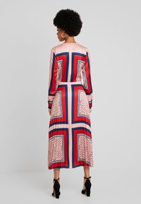 Scotch & Soda - PRINTED PLEATED MIDI LENGTH DRESS - Maxikjole - combo - 2