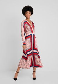 Scotch & Soda - PRINTED PLEATED MIDI LENGTH DRESS - Maxikjole - combo - 1