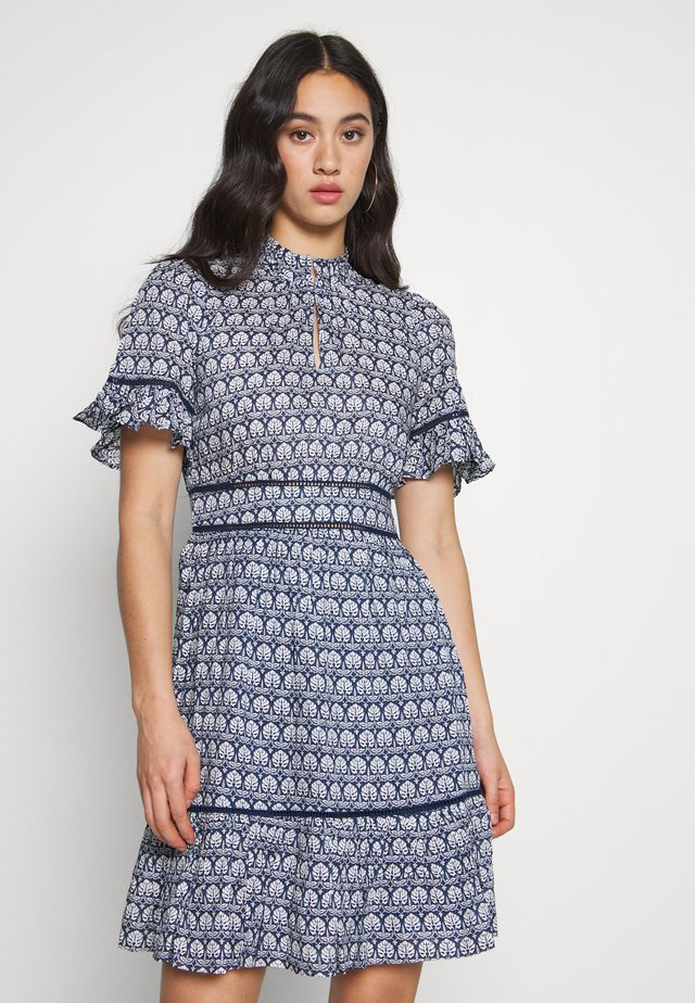 PRINTED DRESS - Sukienka letnia - blue/white