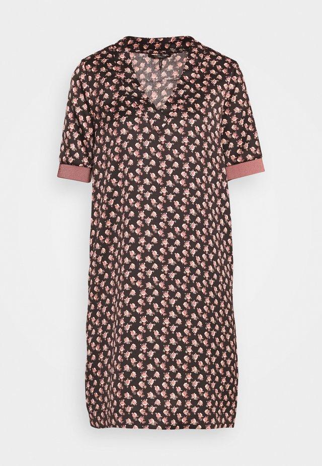 V-NECK DRESS WITH RIBS - Freizeitkleid - black/light pink