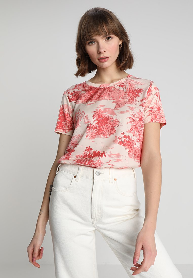 Scotch & Soda - PRINTED RELAXED FIT TEE WITH FRONT PANEL - T-Shirt print - pink