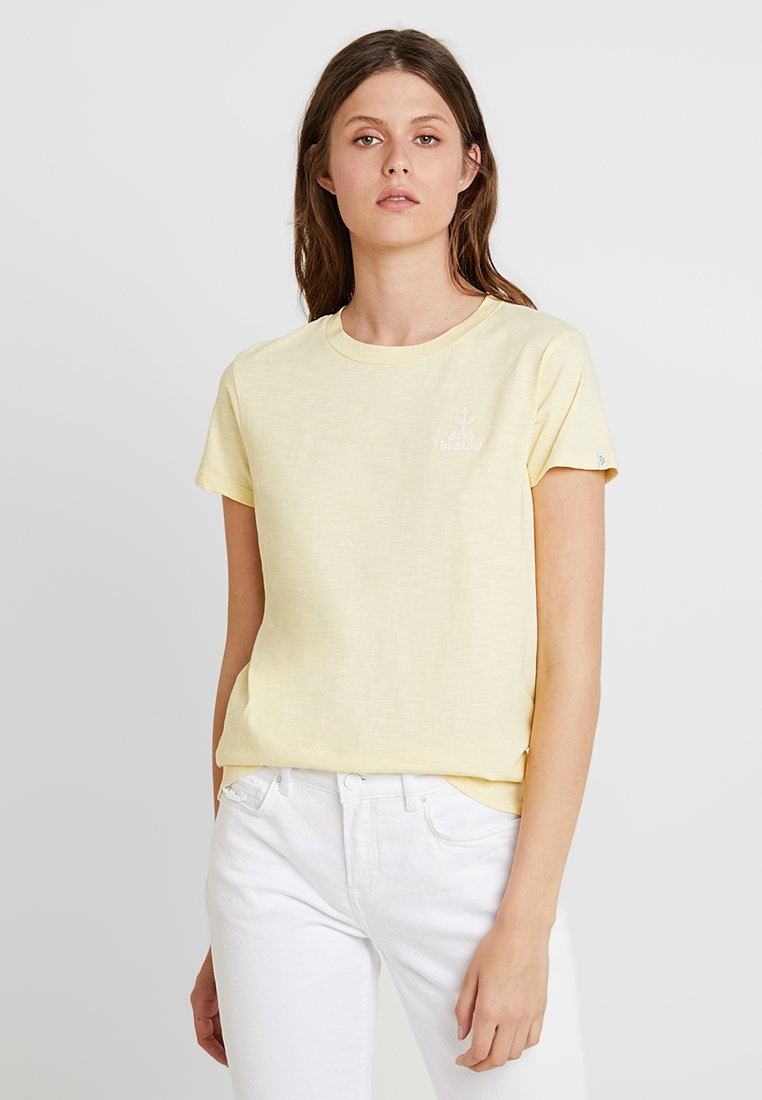 Scotch & Soda - SLEEVE TEE WITH EMBROIDERY - T-shirts print - sun bleach yellow