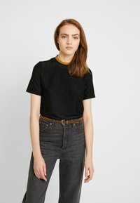 Scotch & Soda - TEE WITH HIGH NECK - T-shirts med print - black - 0