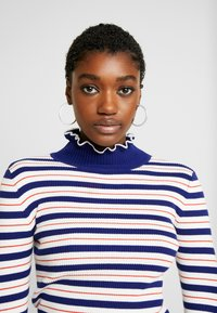 Scotch & Soda - TURTLE NECK WITH DETAILS - Jumper - combo - 3