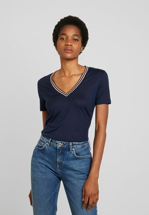 V NECK TEE WITH STRIPED DETAIL - T-shirt imprimé - night