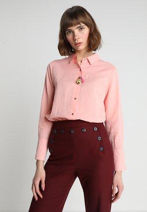 CLASSIC QUALITY - Skjorte - peach