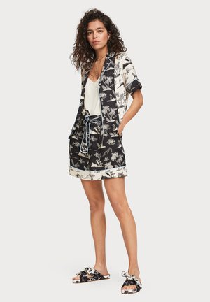 PRINTED HAWAIIAN SHORT SLEEVE - Button-down blouse - black