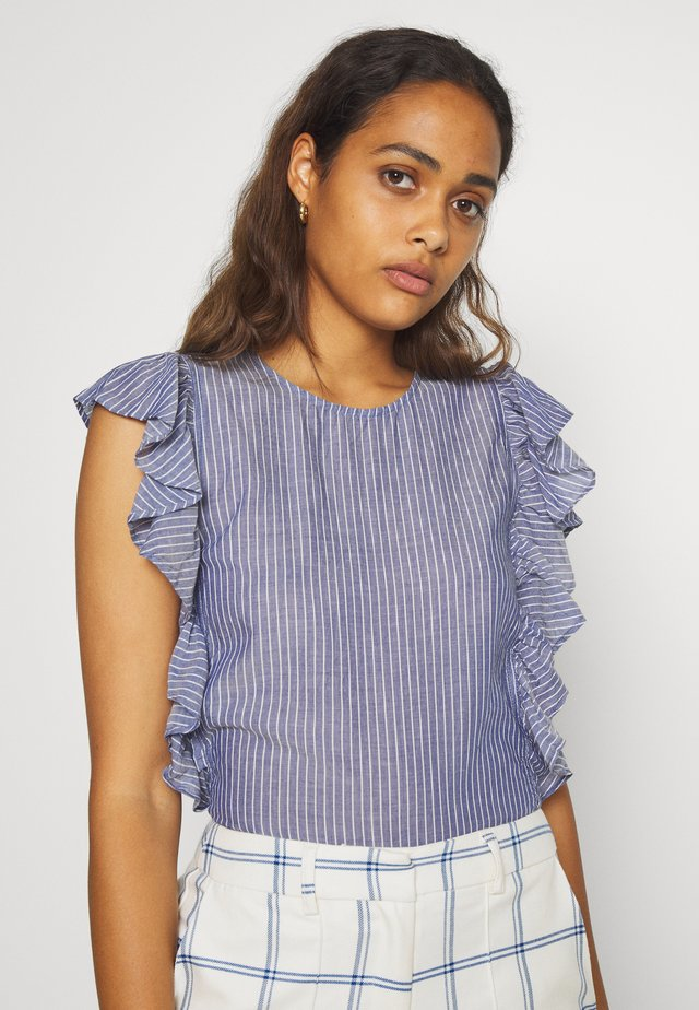 BOXY FITTED WITH RUFFLES - Bluse - blue/white