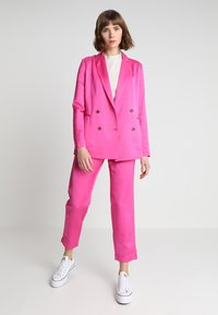 Scotch & Soda - DOUBLE BREASTED BLEND - Blazer - electric pink - 1