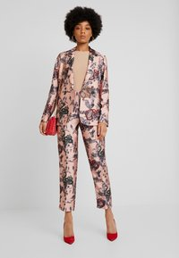 Scotch & Soda - PRINTED DOUBLE BREASTED - Blazer - pink - 1