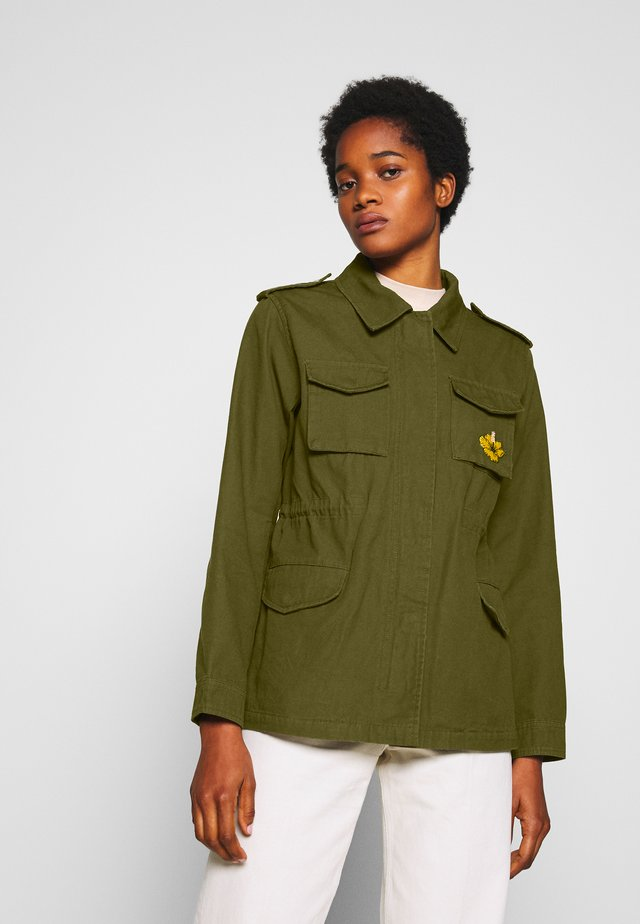 FESTIVAL JACKET WITH EMBROIDERED ARTWORK - Summer jacket - military
