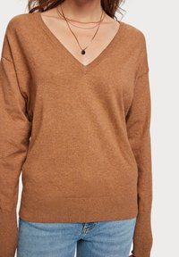 Scotch & Soda - V NECK - Trui - brown melange - 3