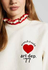 Scotch & Soda - ARTWORKS AND SPECIAL COLLAR - Sweatshirt - off white - 5