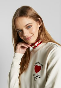 Scotch & Soda - ARTWORKS AND SPECIAL COLLAR - Sweatshirt - off white - 3