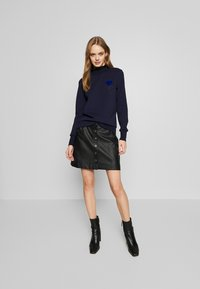 Scotch & Soda - ARTWORKS AND SPECIAL COLLAR - Sweater - navy - 1