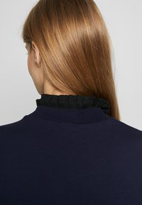 Scotch & Soda - ARTWORKS AND SPECIAL COLLAR - Sweater - navy - 5