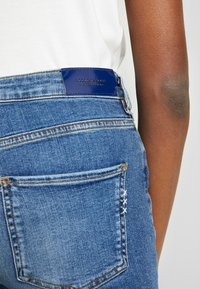 Scotch & Soda - HAUT CROPPED - Jeans Skinny Fit - blue treasure - 4