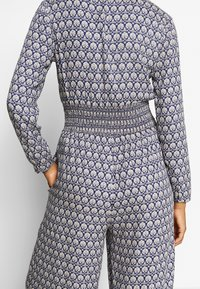 Scotch & Soda - ALLOVER PRINTED ALL IN ONE - Jumpsuit - blue/white - 4