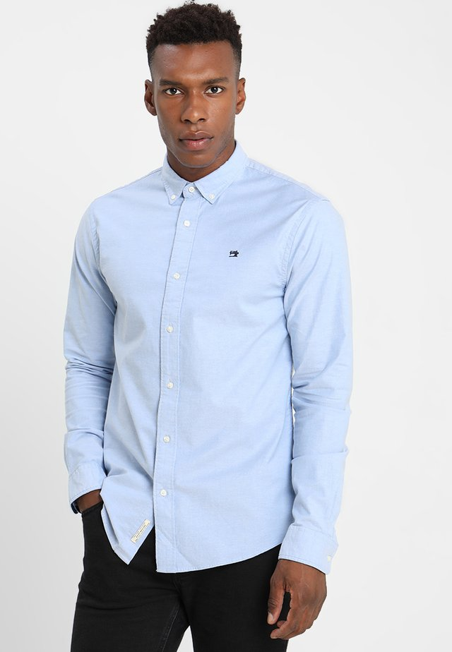 REGULAR FIT OXFORD SHIRT WITH STRETCH - Vapaa-ajan kauluspaita - blue