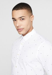Scotch & Soda - REGULAR FIT CLASSIC ALL-OVER PRINTED SHIRT - Camisa - combo - 3