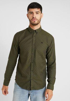 REGULAR FIT CLASSIC OXFORD - Shirt - khaki