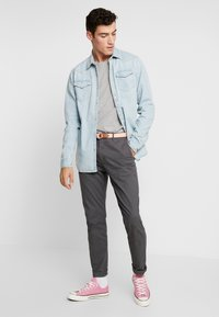 Scotch & Soda - WESTERN IN SEASONAL WASHES - Chemise - bleached indigo