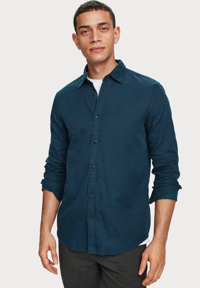 REGULAR FIT - Overhemd - blue