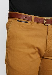 Scotch & Soda - MOTT CLASSIC - Chino kalhoty - walnut - 5