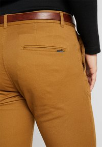 Scotch & Soda - MOTT CLASSIC - Chino kalhoty - walnut - 3