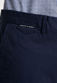 Scotch & Soda - MOTT - Chinot - navy - 3