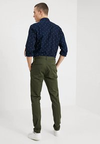 Scotch & Soda - MOTT - Chino kalhoty - military - 2