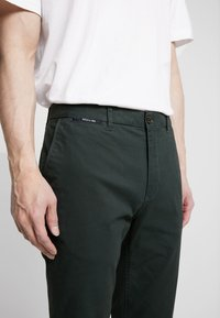 Scotch & Soda - MOTT CLASSIC - Chino kalhoty - green - 4