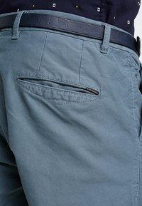 Scotch & Soda - MOTT CLASSIC GARMENT DYED - Chino kalhoty - steel - 5