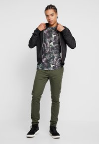 Scotch & Soda - MOTT CLASSIC SLIM FIT - Chinot - military - 1