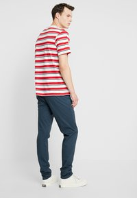 Scotch & Soda - STUART CLASSIC SLIM FIT - Chinot - petrol - 2