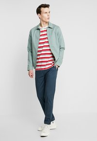 Scotch & Soda - STUART CLASSIC SLIM FIT - Chinot - petrol - 1