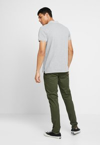 Scotch & Soda - STUART CLASSIC SLIM FIT - Chino - military - 2