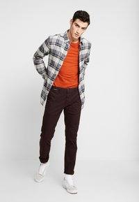 Scotch & Soda - MOTT CLASSIC - Chinos - bordeaubergine - 1