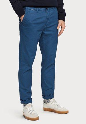 STUART - Chino - worker blue