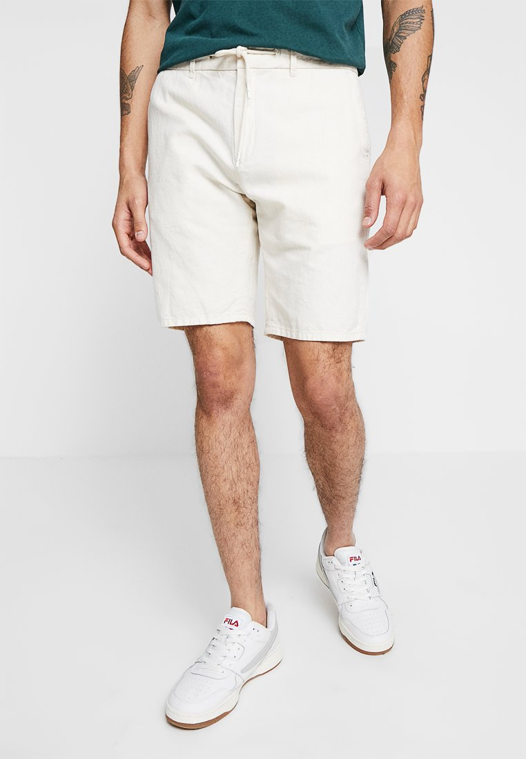 Scotch & Soda - RELAXED WITH ELASTICATED WAISTBAND - Shorts - ecru
