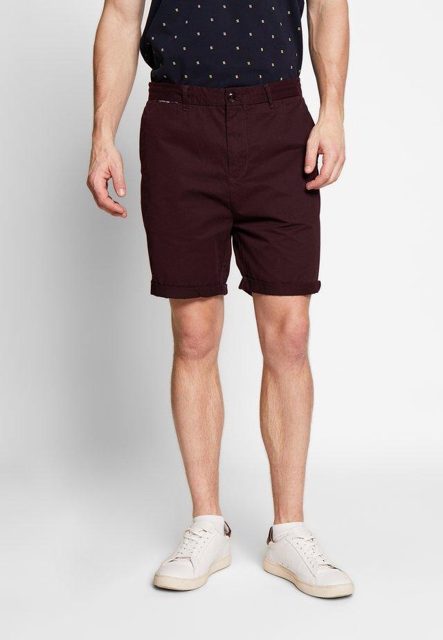 CLASSIC - Shorts - aubergine