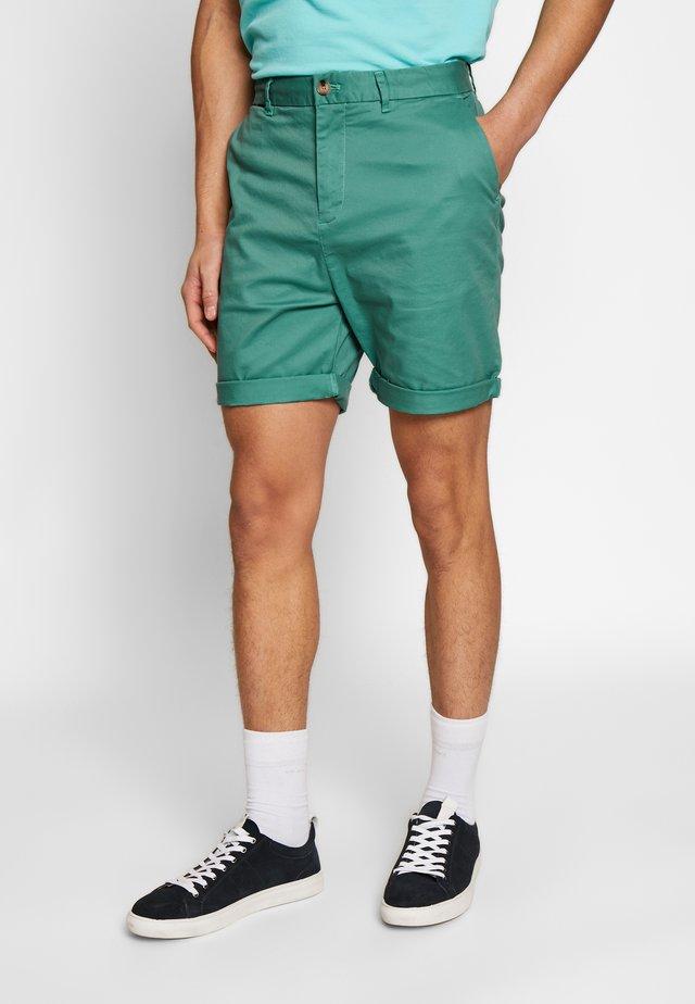 CLASSIC CHINO  - Shorts - emerald