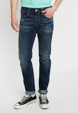 Straight leg jeans - dive right in