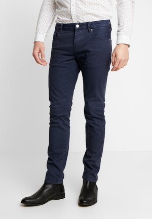 CLEAN GARMENT DYED COLORS - Slim fit jeans - night