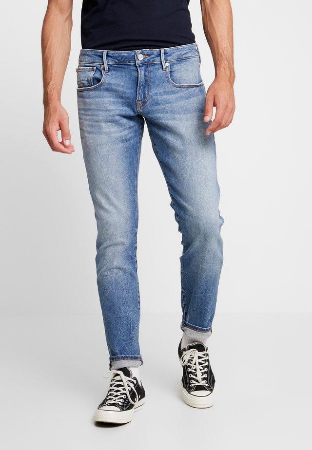 TYE - Jeans slim fit - blauw tale